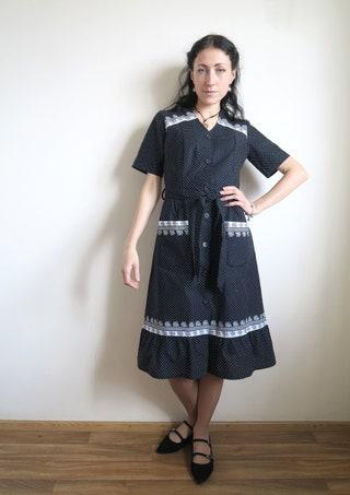 70's Polka Dot Day Dress, Black & White Swiss Dot Cotton Calico Dress, Short Sleeve Button-Up Home Gown, Midi Ruffle Skirt, Small S