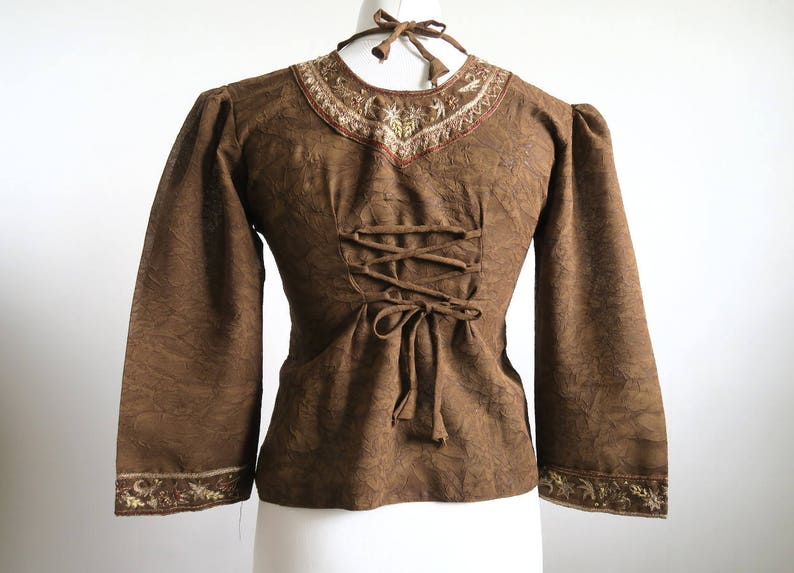 Medium ML Festival Top Embroidered Boho Blouse Flared Bottom Puffed 34 Sleeve India Made Cropped Tunic Lacing in the Back