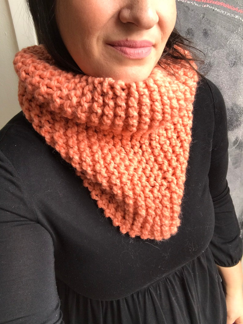 Chunky knit scarf in Coral. chunky knit cowl circle scarf image 0