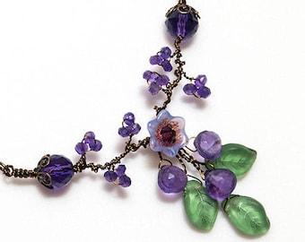 Amethyst Gemstone Necklace, Purple Floral Wedding Jewelry, Purple Amethyst Vintage Style Jewelry, Bib Necklace, Bridal Jewelry