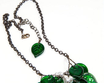 Kelly Green Leaf Necklace, Green Beaded Necklace, Small Green Bib Necklace, Green Holiday Necklace, xmas gift for her, hostess gift