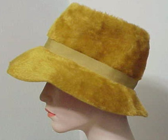 Vintage Fedora   Phenomenal 1970's High Fashion A… - image 2