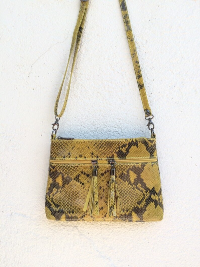 énorme réduction a1cc1 111bf Sac bandoulière,sac cuir façon python jaune,sac à main cuir,sac cuir  femme,sac besace cuir,sac à main,evening leather bag,yellow leather bag
