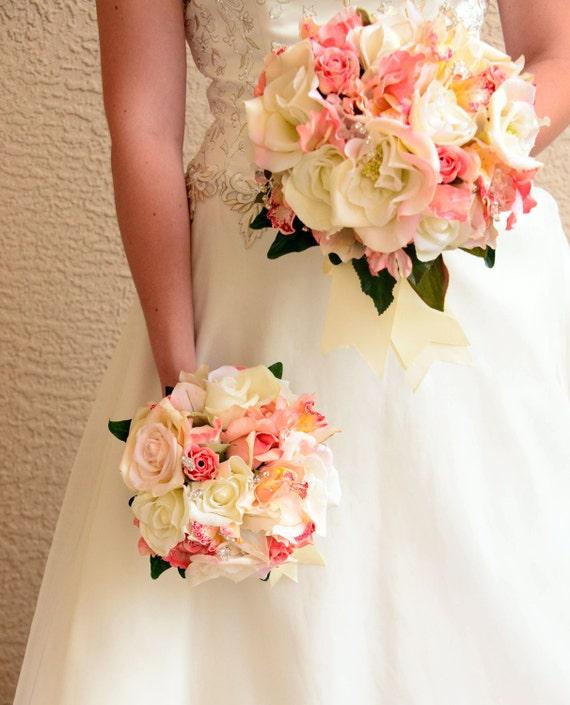 Bouquet De Mariee Rond Bouquet Mariage Ensemble Corail Blanc Ivoire Orchidees Et Roses 16 Pieces