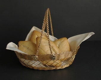 Vintage Woven Goldtone Metal Wire Bread Basket Made In Japan