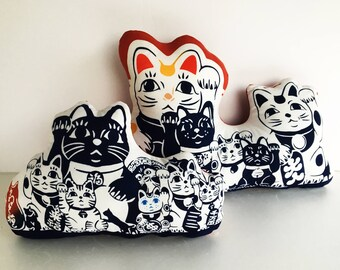 Maneki neko cat throw pillow set, lucky cat Japanese pillow, cat lovers gift, miniature cat doll, Staffed cat, cat tenugui fabric pillow