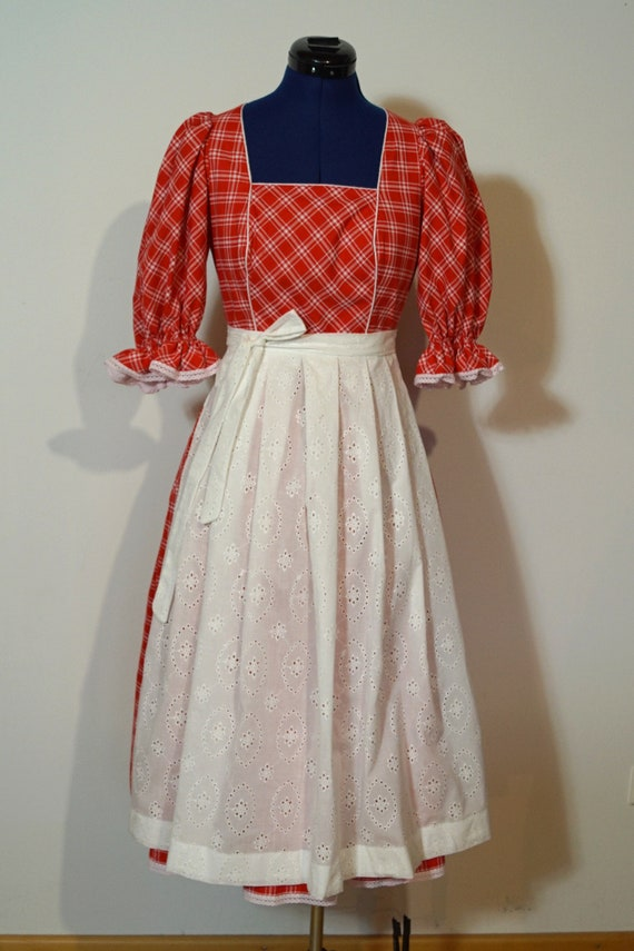 Dirndl with apron, red Dirndl with white apron, dr