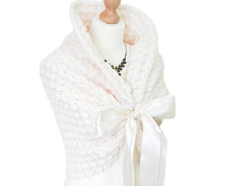 Bridal wrap / Wedding Shawl / Bridal Stole / Wedding Bolero / Bridal Cape / Wedding Wrap / Cream Shawl / Wedding Capelet / Bridal Shrug