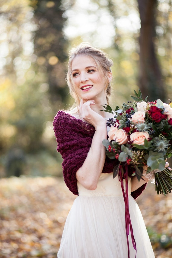Romantic Bridal Capelet Rustic Wedding Dress Cover Up Winter Wedding Shawl Bolero for Bride Wedding capelet Bridal cape Bridal Shawl