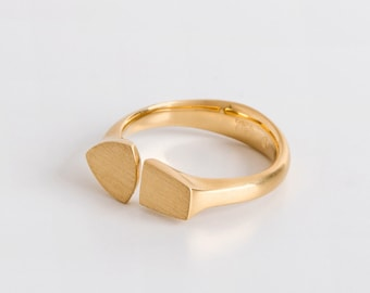 Horseshoe Ring, Gold Taper & Gold Trillion, 18k Gold Signet Ring, Statement Seal Ring, Unique Women's Statement Ring, Adjustable Ring