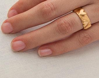 Sculpture Hearts Gold Wedding Ring Band, 18k Gold Handmade Wedding Ring,18 Karat Gold Ring for Women,Unique Wedding Band Wide 14k