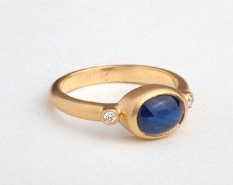 Oval Blue Sapphire Gold Ring, Saphire & Diamonds Ring, Blue Sapphire Minimalist Engagement Ring, 18k Saphir Sapphire Cabochon