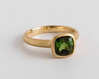 Green Braz Tourmaline Gold Ring, 18K Yellow Solid Gold Solitaire Tourmaline Ring, Square Bezel Ring Green Gemstone Birthstone