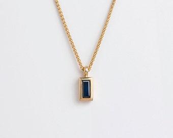 Dainty Blue Sapphire Pendant 18k Gold Necklace, Rectangular Thin Baguette Necklace Minimal Saphire, Solitaire Bezel Blue Birthstone Pendant