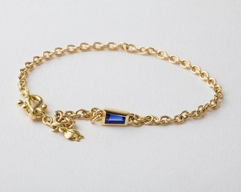 18k Gold Chain Bracelet with Blue Sapphire, Chain Link Bracelet, Sapphire Charm Bracelet, Chain Gold Bezel Charm Bracelet Taper Sapphire