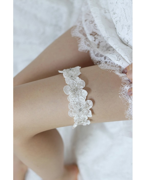 lingerie 32 cm to 80 cm Made in france Bridal garter ivory fuchsia lace flower are pearls bridal garter accessory