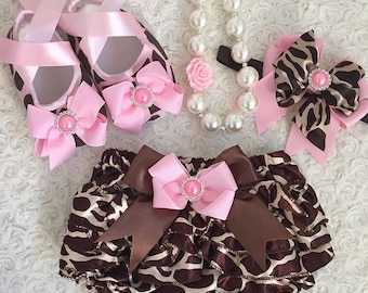 2pc set Girls birthday, photo prop outfit-Include bloomer and a matching headband