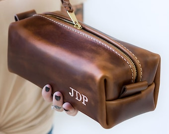 e36643403d88 XL Leather Toiletry Bag Personalized Gift For Men Boyfriend Birthday Gift  For Dad Groomsmen Gift Birthday Gift For Him Fathers Day Gift