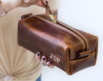 Monogrammed Dopp Kit Monogram Bag Monogrammed Gifts for Men Groomsmen Gifts Mens Toiletry Bag Leather Dopp Kit Lifetime Leather
