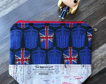 PRE-ORDER Rose Tyler's Message to the Doctor Knitting or Crochet Project Bag Doctor Who TARDIS Zippered Bag Wedge Bag