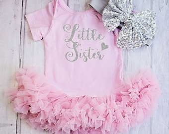Customized Little Sister Bodysuit..Little Sister Outfit..Birthday Announcement..Newborn Outfit..Girls Clothing..Girl 1st Birthday..Christmas