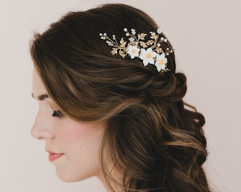 White Yellow Daffodil and Brass Metal Leaves Bridal Hair Comb . Cole Bridal Hair Comb