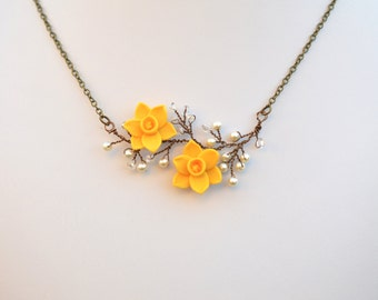 Double daffodil Central Vine Necklace. Daffodil Vine Necklace. Spring Flower Necklace. Daffodil Necklace.