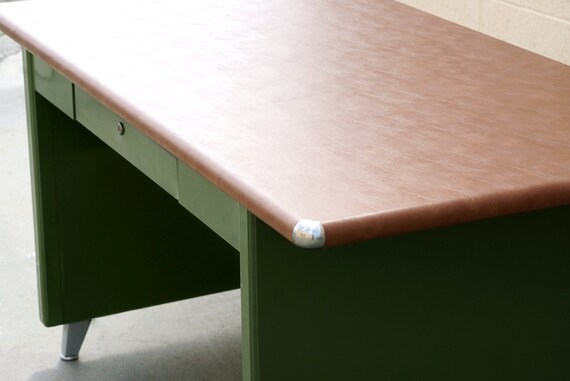 1940s Shaw Walker Panel Leg Tanker Table Refinished In Army Green Rare Free U S Shipping