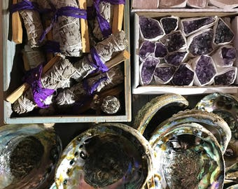 Smudge kit - bundle - crystals Sage Palo santo & Abalone shell