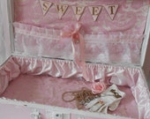 Shabby Chic Painted A Very Pretty Pink Antique Vintage Case Trunk Suitcase