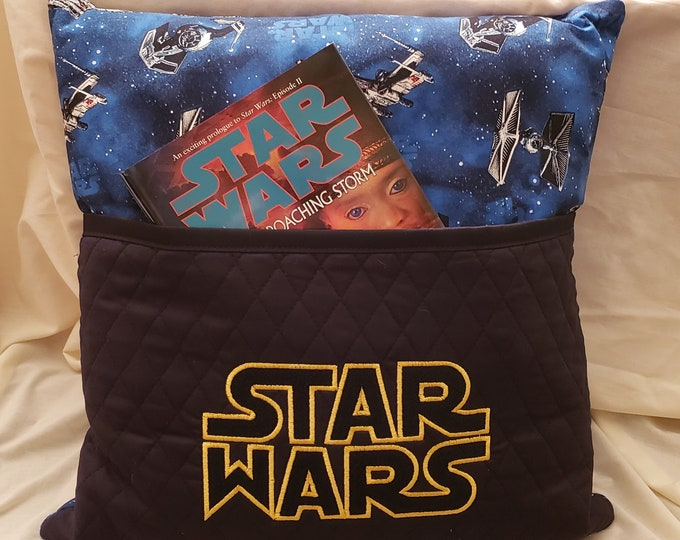 "Novelty Embroidered Reading/Book Pillow ""Star Wars"""