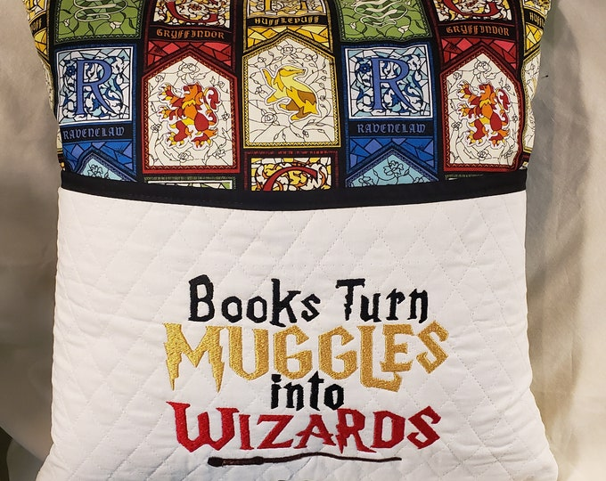 Novelty Pocket Pillow: HP Inspired Reading