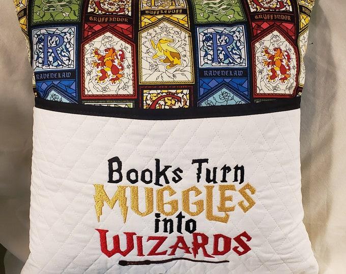 Novelty Pocket Pillow: HP Inspired Reading