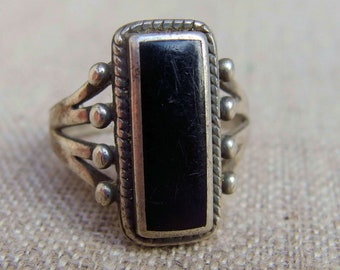 Southwest Black Onyx and Sterling Silver Ring, Split Shank, Size 9, Signed