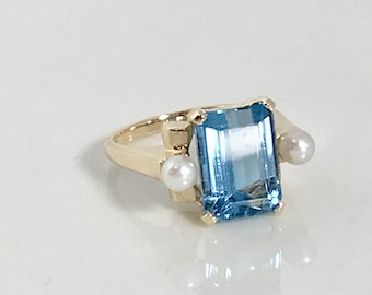 Vintage Yellow Gold Blue Topaz and Pearl Ring, Blue Topaz Ring, November Birthstone, Birthstone Ring