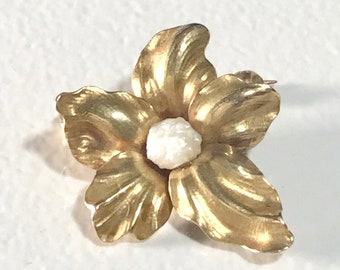 Yellow Gold Pearl Flower Brooch, Vintage Pearl Pin, Antique Pearl Pin, Vintage Flower Brooch,  Brooch