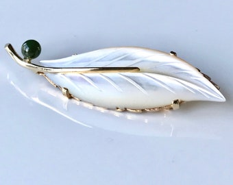Yellow Gold Mother of Pearl Feather or Leaf Brooch, Mother of Pearl Pin, Vintage Mother of Pearl and Jade Brooch, Vintage Pin