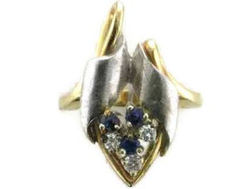 14 Karat Yellow and White Gold Blue Sapphire and Diamond Free Form Ring, Sapphire and Diamond Ring, Estate Ring, White and Yellow Gold Ring