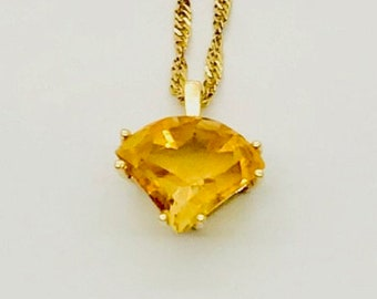 Yellow Gold Citrine Necklace, Vintage Citrine Necklace, Citrine Pendant with Chain, Vintage Necklace, 14 Karat Yellow Gold Citrine Necklace