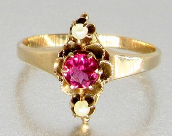 Gold Victorian Garnet and Pearl Ring, Antique Garnet Ring, Vintage Garnet Ring, January Birthstone, Birthstone Ring, Garnet and Pearl Ring