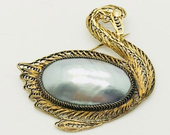 Spun Silver Mother of Pearl Swan Pin, Vintage Silver Swan Pin, Mother of Pearl Pin, Vintage Pin, Swan Brooch, Gold over Silver Swan Pin