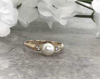 Vintage Yellow Gold Pearl and Diamond Ring, June Birthstone, Birthstone Ring