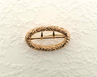 Embossed Buckle Pin, Antique Pin, Antique Buckle Pin, Oval Buckle, Embossed Buckle, Antique Buckle, Vintage Buckle Pin, Yellow Gold Buckle