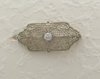 Ladies 10 Karat White Gold Filigree Pin