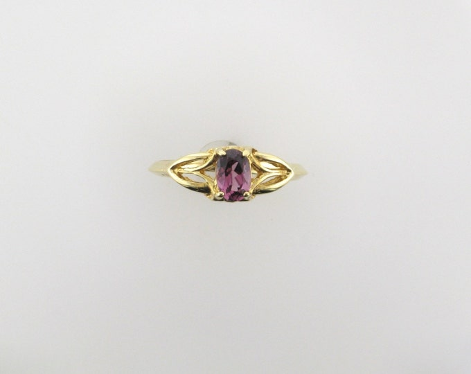 Yellow Gold Garnet Ring; Garnet Ring; January Birthstone Ring; Violet Garnet Ring; 14 Karat Yellow Gold Garnet Ring, Vintage Garnet Ring