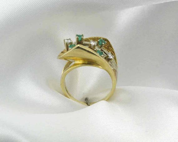 Emerald and Diamond Cocktail Ring; 1960's Cocktai… - image 4