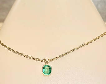 Vintage Yellow Gold Emerald Necklace, Emerald Pendant, May Birthstone, Vintage Emerald Pendant