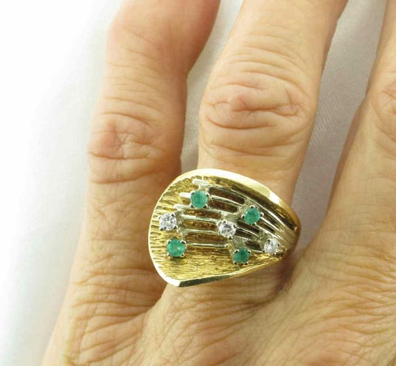 Emerald and Diamond Cocktail Ring; 1960's Cocktai… - image 3