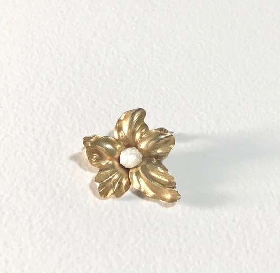 Yellow Gold Pearl Flower Brooch, Vintage Pearl Pi… - image 1