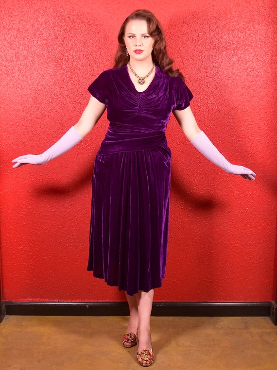 1930s Purple Silk Velvet Draped Dress - image 7